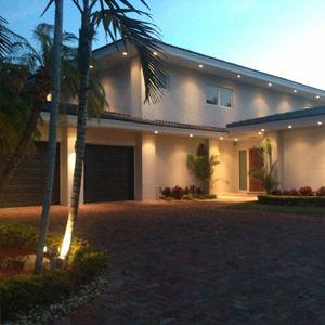 Эксклюзивный современный дом на побережье океана