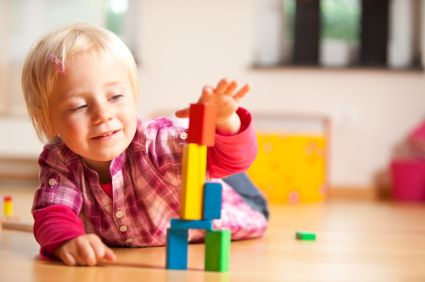 iStock_girl-with-blocks