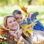 Веселые и полезные осенние прогулки с ребенком